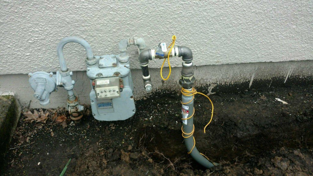 Underground Gas Piping tied into gas meter with tracer wire